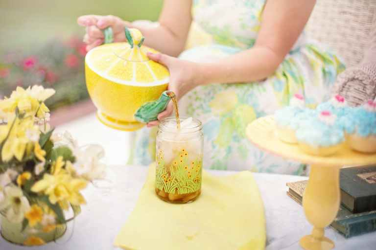 tea-tea-time-person-summer-42322.jpeg